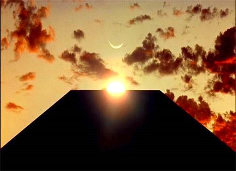 2001_monolith_pyramid.jpg